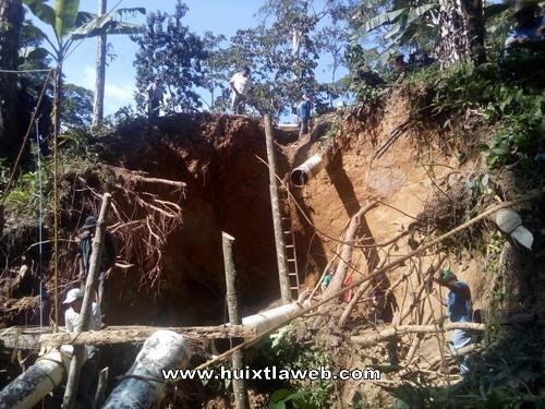 Toda la ciudad de Huixtla sin agua por daños en la tubería
