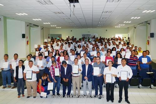 Reciben Certificados de competencia laboral servidores públicos del Ayuntamiento Municipal de Villa Comaltitlán