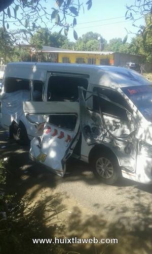 Dos muertos y heridos al chocar colectivo Huixtla Tapachula