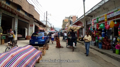 Sin control el aumento de renta de comercios en Huixtla