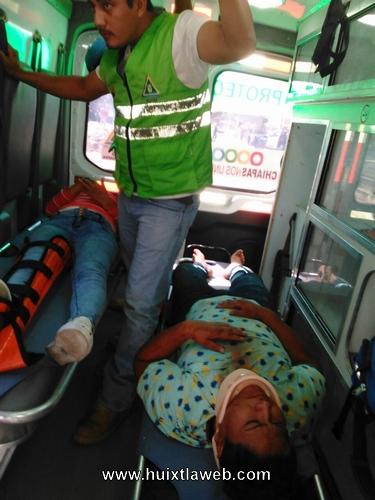 Dos motociclistas heridos al accidentarse en Acapetahua