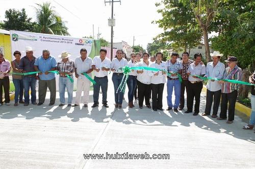 Inaugura ayuntamiento de Villa Comaltitlán Primera Obra del año