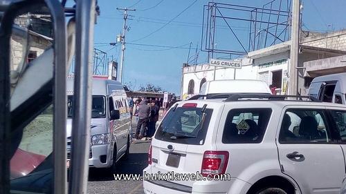 Maestros bloquean carretera Huixtla a Motozintla