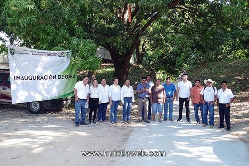 Inauguran obra en el ejido Murallas de Villa Comaltitlán