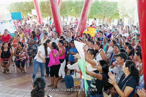 Incorporan más de 600 mujeres a programa de inclusión social Prospera en Comaltitlán