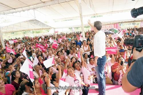 Visita del gobernador del estado a Villa Comaltitlán