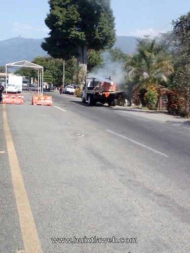 Se incendia Torton en el retén de Xochiltepec