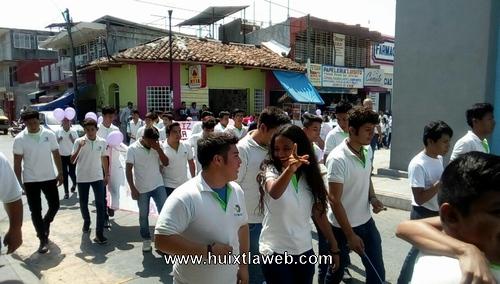 Escuelas participan en día internacional de la mujer