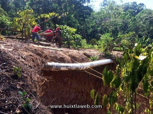 Por concluir la instalación de nuevos tubos para distribución de agua en Tuzantán
