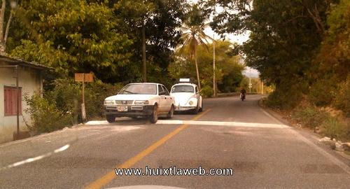 Topes al extremo en tramo federal en Tuzantán