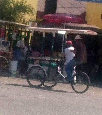 Tricicleros donde quiera hacen base en Huixtla