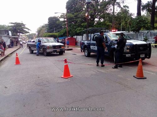 Patrulla federal provoca accidente frente al centro de salud de Huixtla