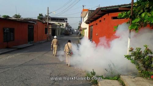 Refuerzan campañas contra el dengue en Huixtla