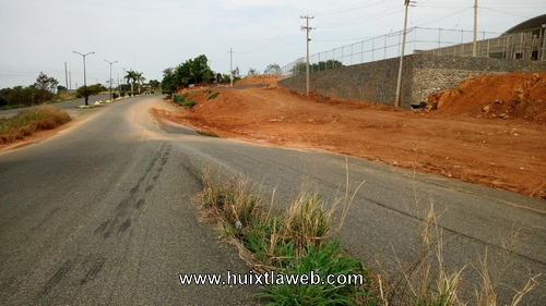 Obra pone en riesgo a conductores en la carretera Huixtla-Tapachula