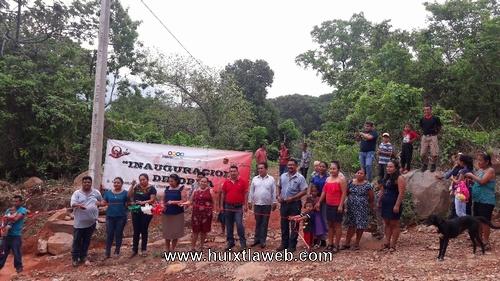 Inauguran introducción de red de energía eléctrica en los Laureles de Tuzantán