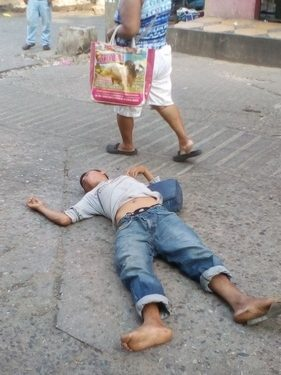 Mandan al hospital a libidinoso sujeto del mercado de Huixtla