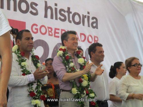 """Candidatos a gobernador, senador y propuesta para presidente municipal,  por la coalición Juntos Haremos Historia"""", presentes en Huixtla"""