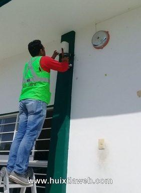 Protección civil de Comaltitlán instala sensor de Alertamiento Sísmico en escuelas