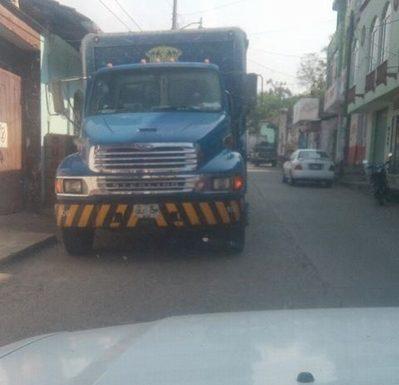 Carros cerveceros se adueñan de las calles de Huixtla