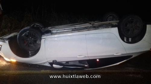 Vehículo cae a un barranco de 5 metros en Escuintla