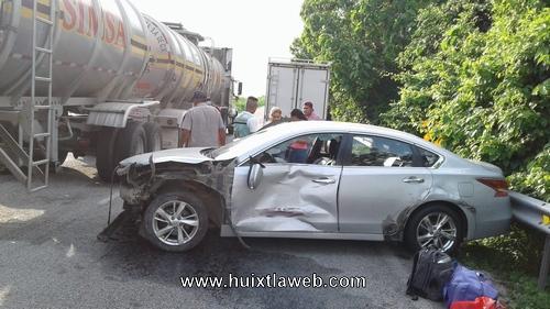 Aparatoso accidente vehicular en Mapastepec