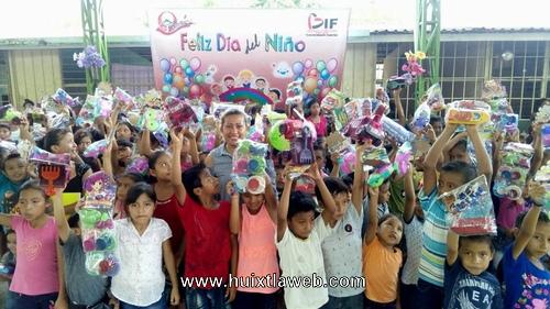 DIF Municipal festejó a niños de Tuzantán
