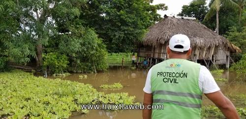 Verifican ventanas que provocó inundaciones en Acapetahua