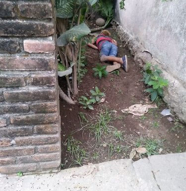 En forma misteriosa muere guatemalteco en calles de Mazatán