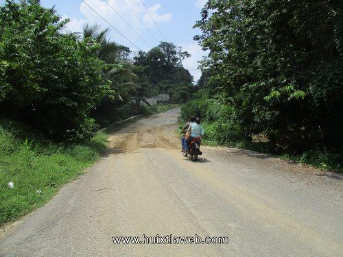 Piden señales preventivas en carretera rancho Rosita a Tuzantán