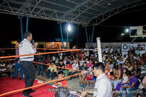 En gran velada boxística el candidato de morena Laparra Calderón promete fomentar el deporte