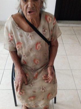 Abuelita pide seguridad en su domicilio