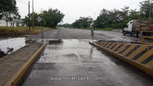 Antigua caseta de cobro Huixtla – Comaltitlán, un peligro para conductores