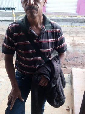 Policías bandidos asaltan a humilde cangurero