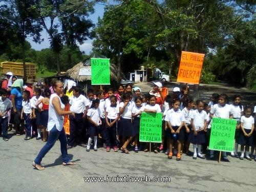 Siguen las protestas en contra de aceitera en Villa Comaltitlán