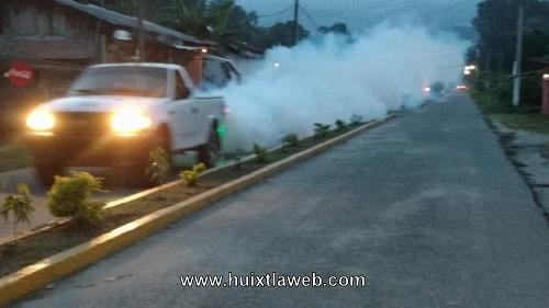 Continúa el combate al dengue, zika y chikungunya en Tuzantán