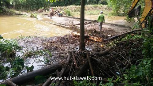 Por azolvamiento se desborda el rio maxixiapa en Huixtla