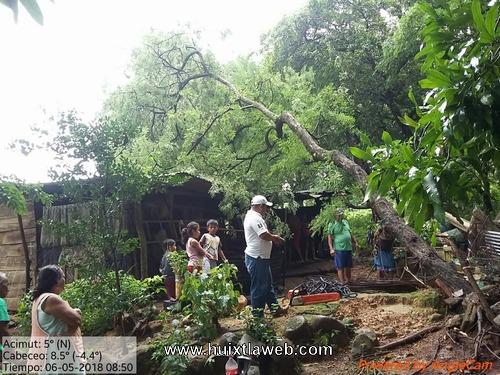 Vientos huracanados causan daños en Huehuetán