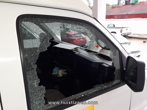 Desmantelan ambulancia de cruz roja de Huixtla
