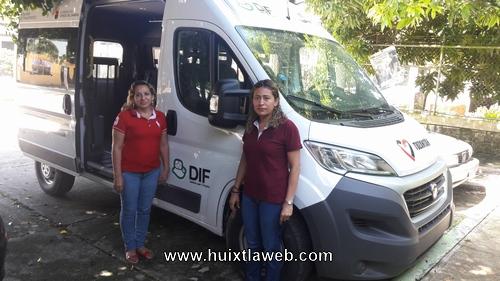 Recibe Dif municipal de Tuzantán vehículo para personas con discapacidad
