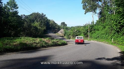 Continúa PC de Tuzantán realizando trabajos preventivos en carreteras del municipio