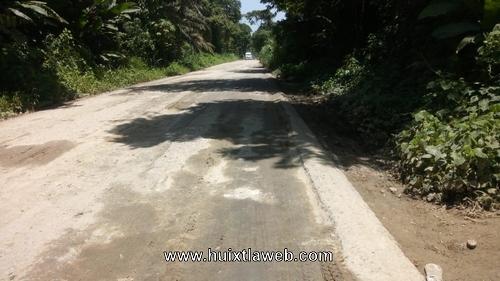 Convertido en camino de terracería carretera de Huixtla a Villa comaltitlán