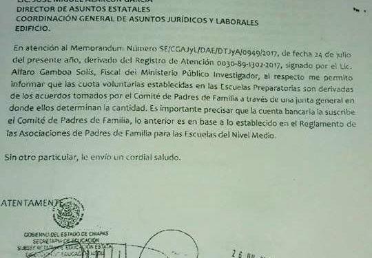 Padres de familia de preparatoria de Huixtla exigen asamblea