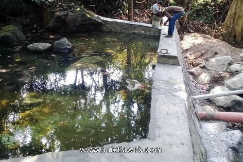 Realizan construcción de red de distribución de agua potable en comaltitlán