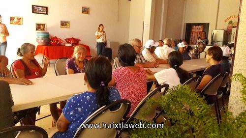 Celebra DIF abuelitos de CASA DÍA en Tuzantán