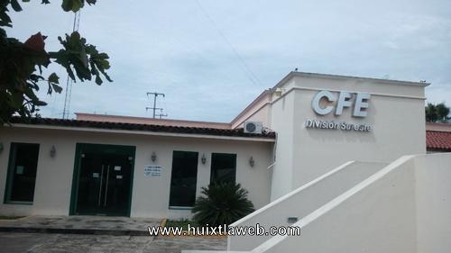 Cafetaleros de Escuintla se manifiestan ante la CFE de Huixtla