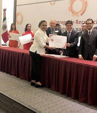 """Recibe municipio de Villa Comaltitlán reconocimiento del programa """"Agenda para el Desarrollo Municipal 2018""""."""