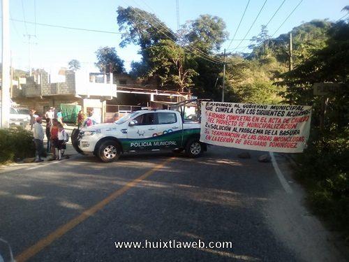 Ejidatarios de Belisario Domínguez Motozintla Bloquean carretera