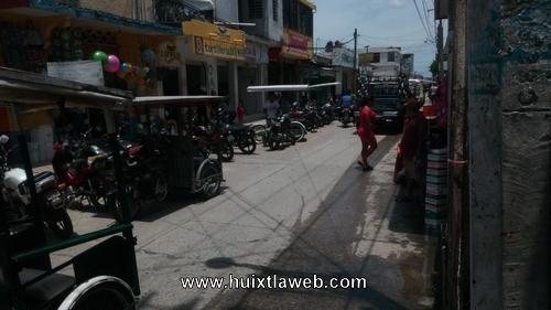 En Junta de comerciantes urgen la remodelación del mercado Huixtla