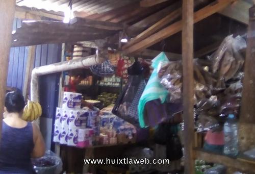 Roban en el mercado de Huixtla