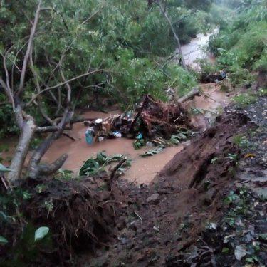 Se desborda el paredón del Arroyo el cusco en Huixtla y Tuzantán